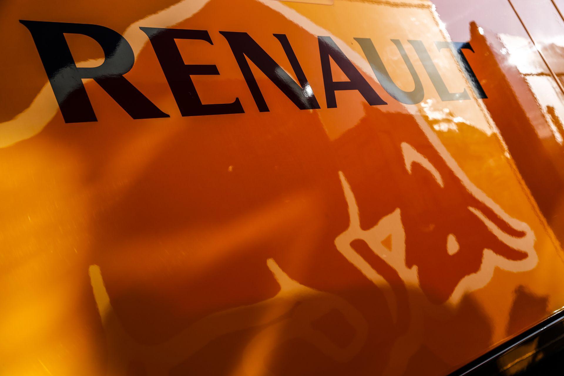 Gyengébb motorokat fog kapni a Red Bull a Renault-tól?