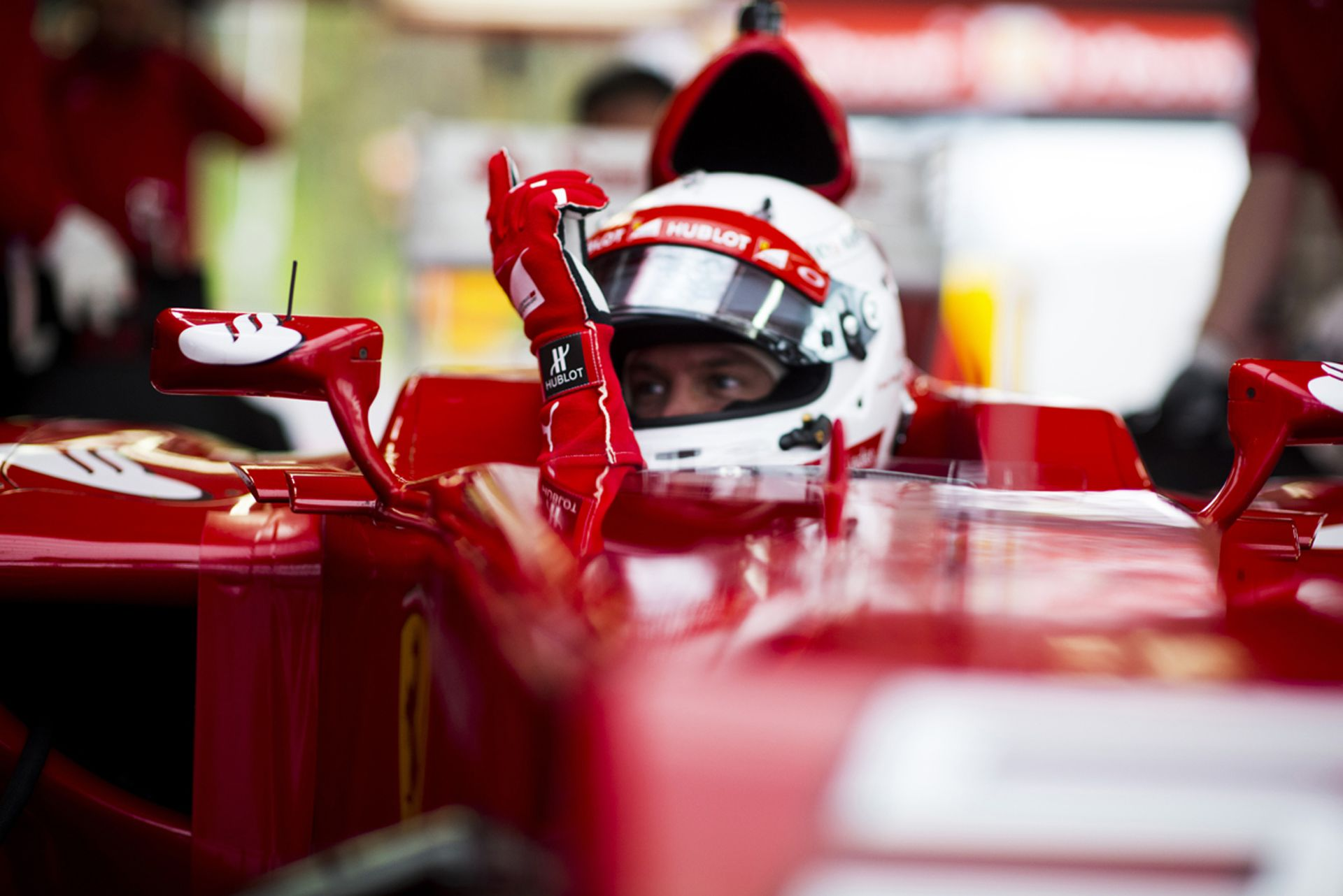 Összeszerelték Raikkönen és Vettel új Ferrariját: jöhet a teszt!