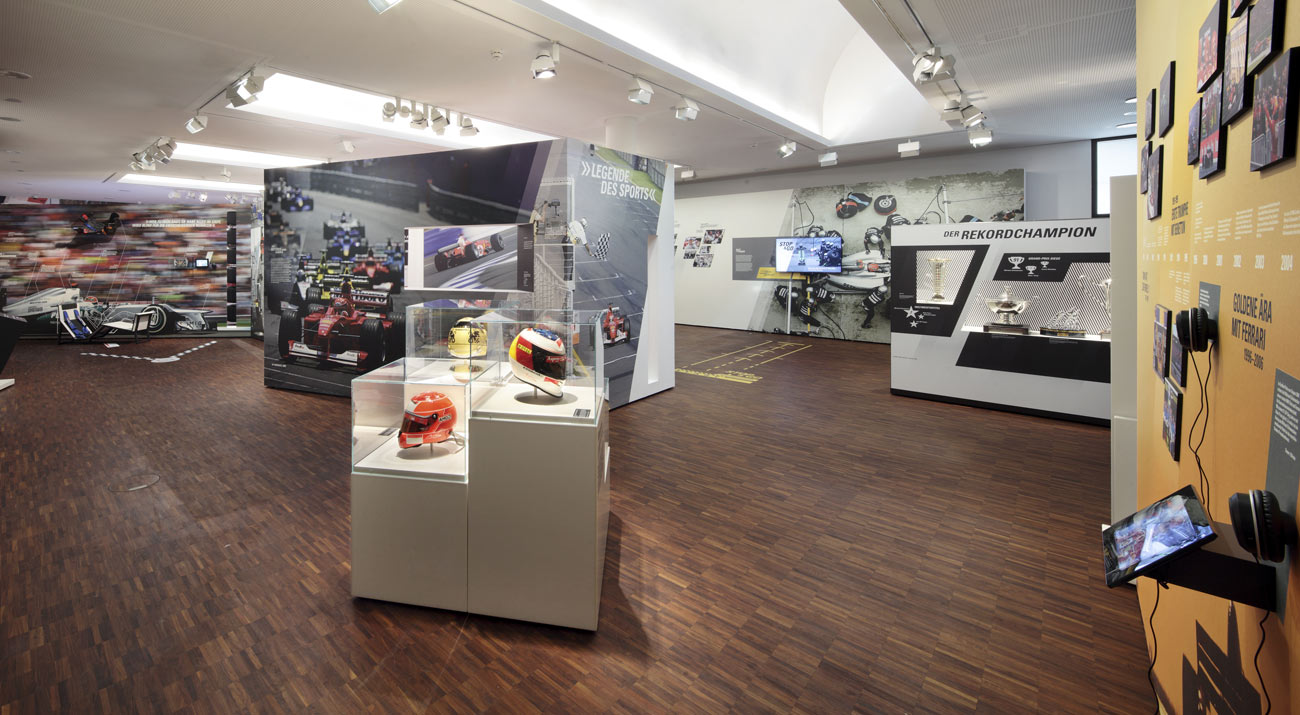 Kiállítás nyílt Schumacherről: senki sem lenne itt szívesebben, mint Michael