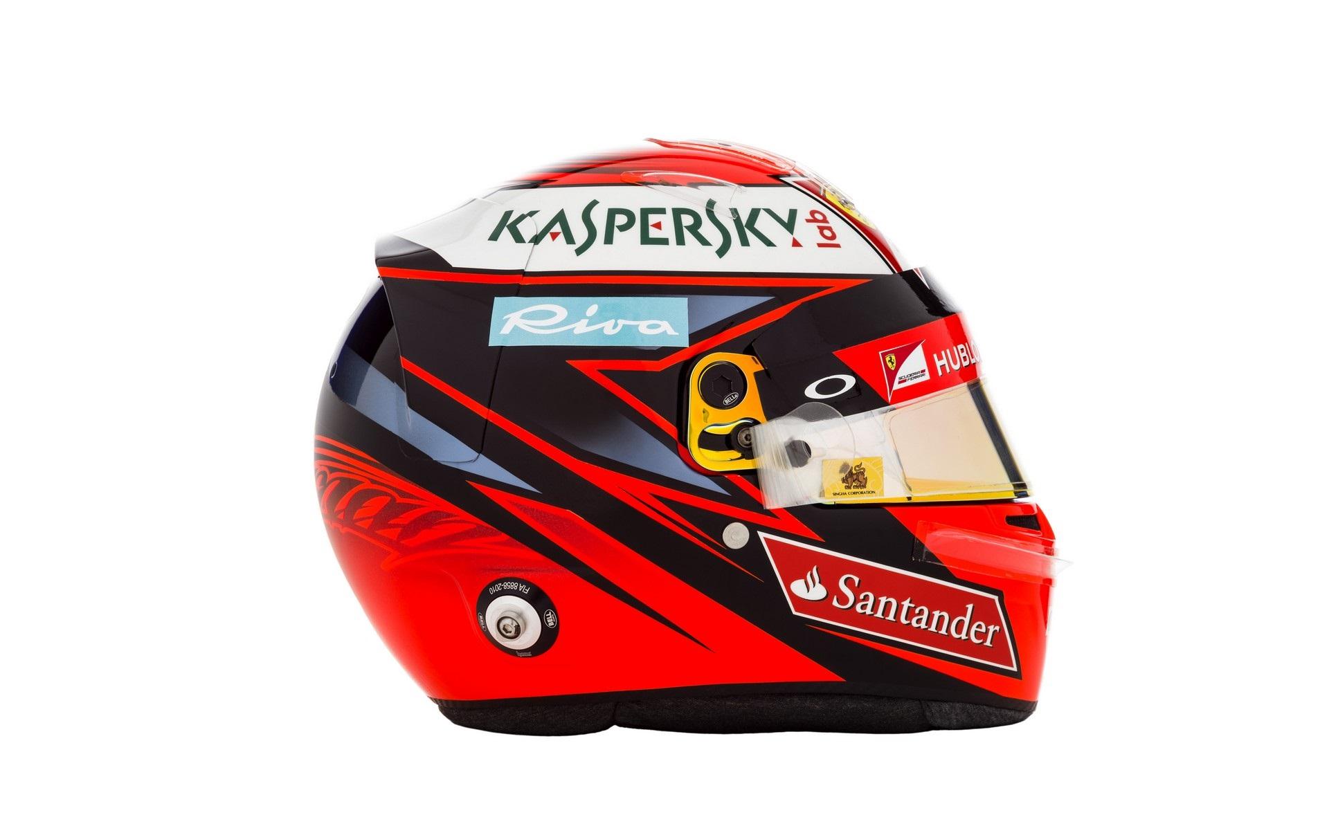 Képeken Raikkönen és Vettel idei sisakja