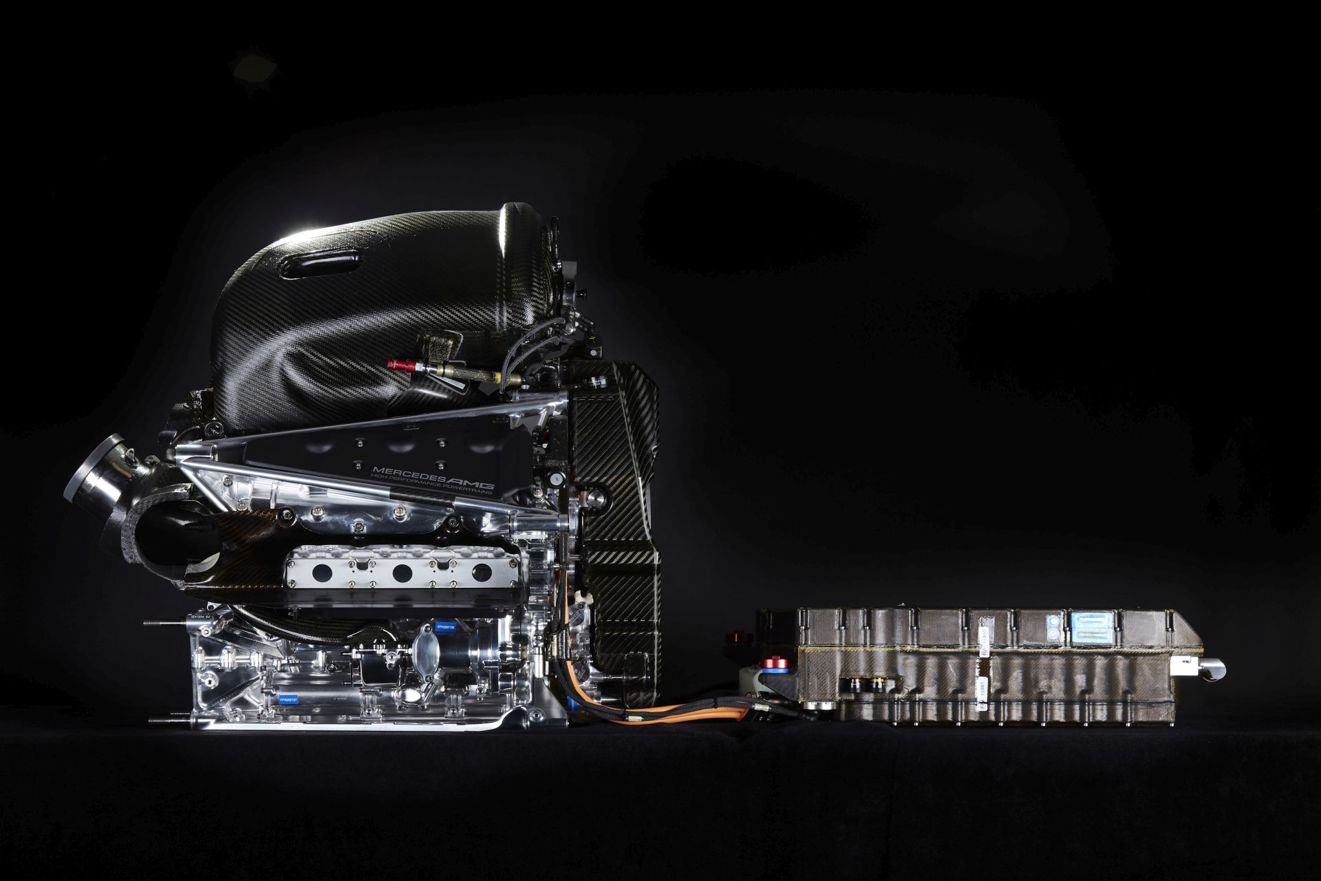 4 decibellel lett hangosabb a Mercedes erőforrása, van még ötlet a hangerő-növelésre