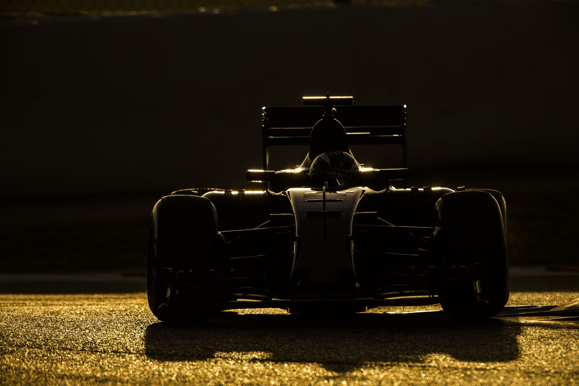 Folytatódik az F1-es teszt Barcelonában: Raikkönen debütál az új Ferrarival