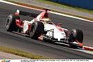 Hamilton parádés előzései a GP2-ben