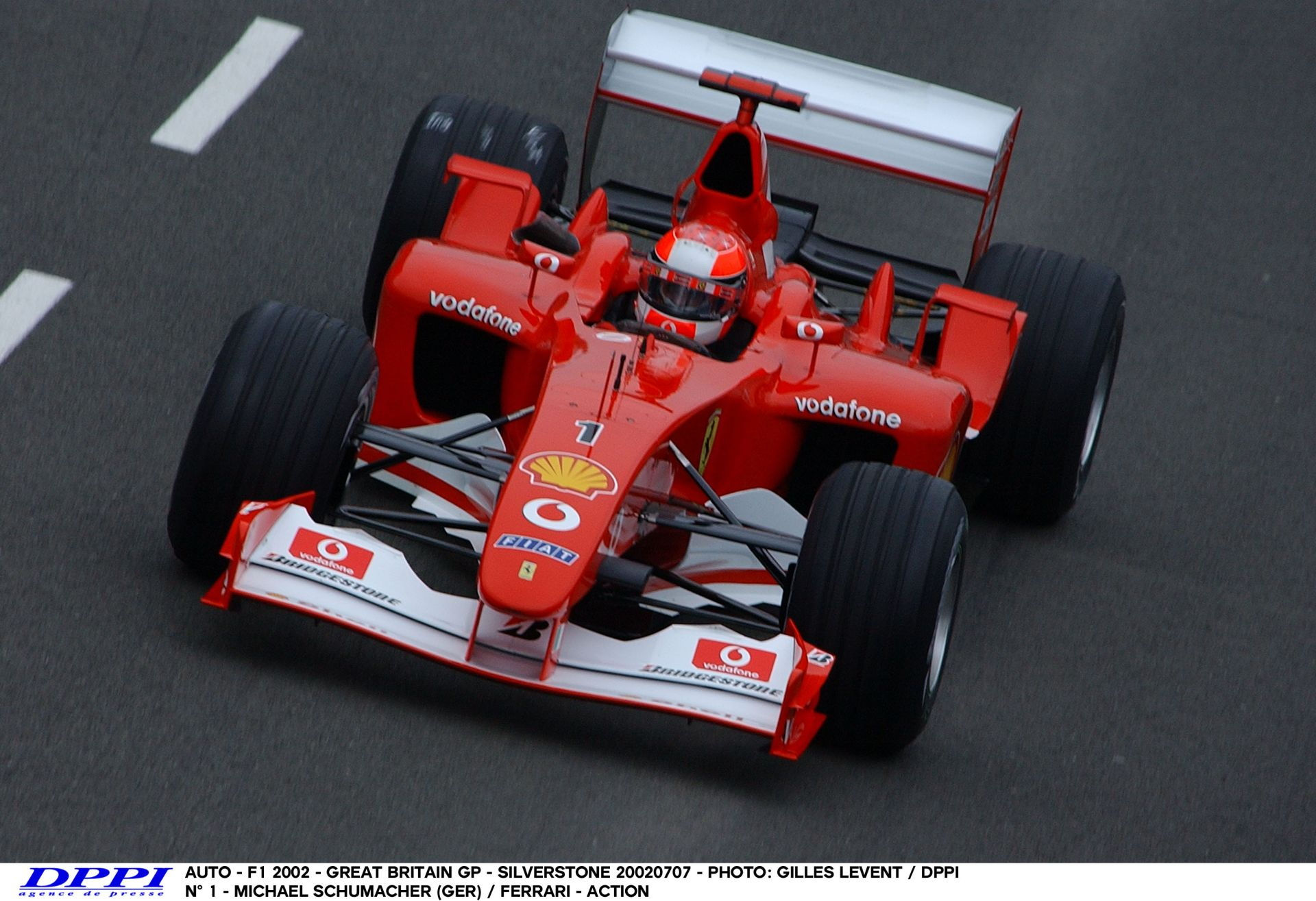 Schumacher, ahogy tapossa neki a 2002-es Ferrarival