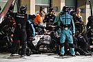 A Mercedes keresi a megoldást, hogyan lehetne túlélni a 21 futamot