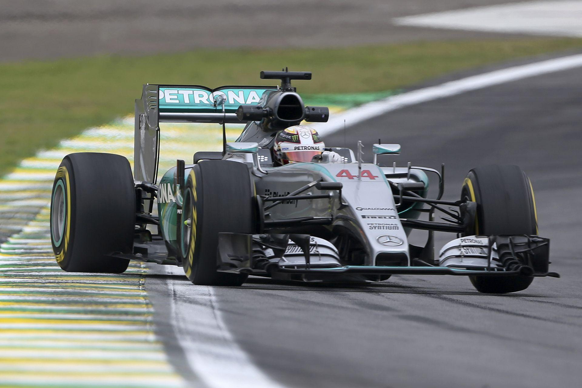 Hamilton és Rosberg simán az élen az időmérő előtt Brazíliában: Vettel és Raikkönen a második sorban