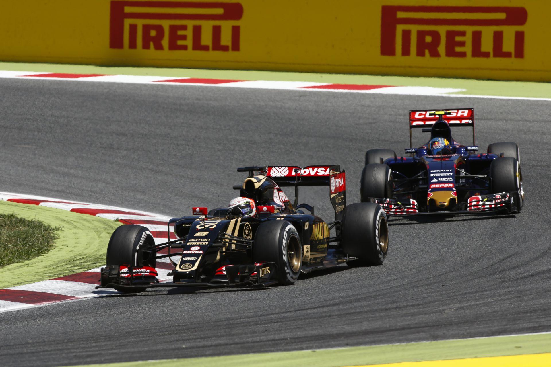 Alakul a gyári Renault csapat?! A szakemberek már gyűlnek a Lotusnál...