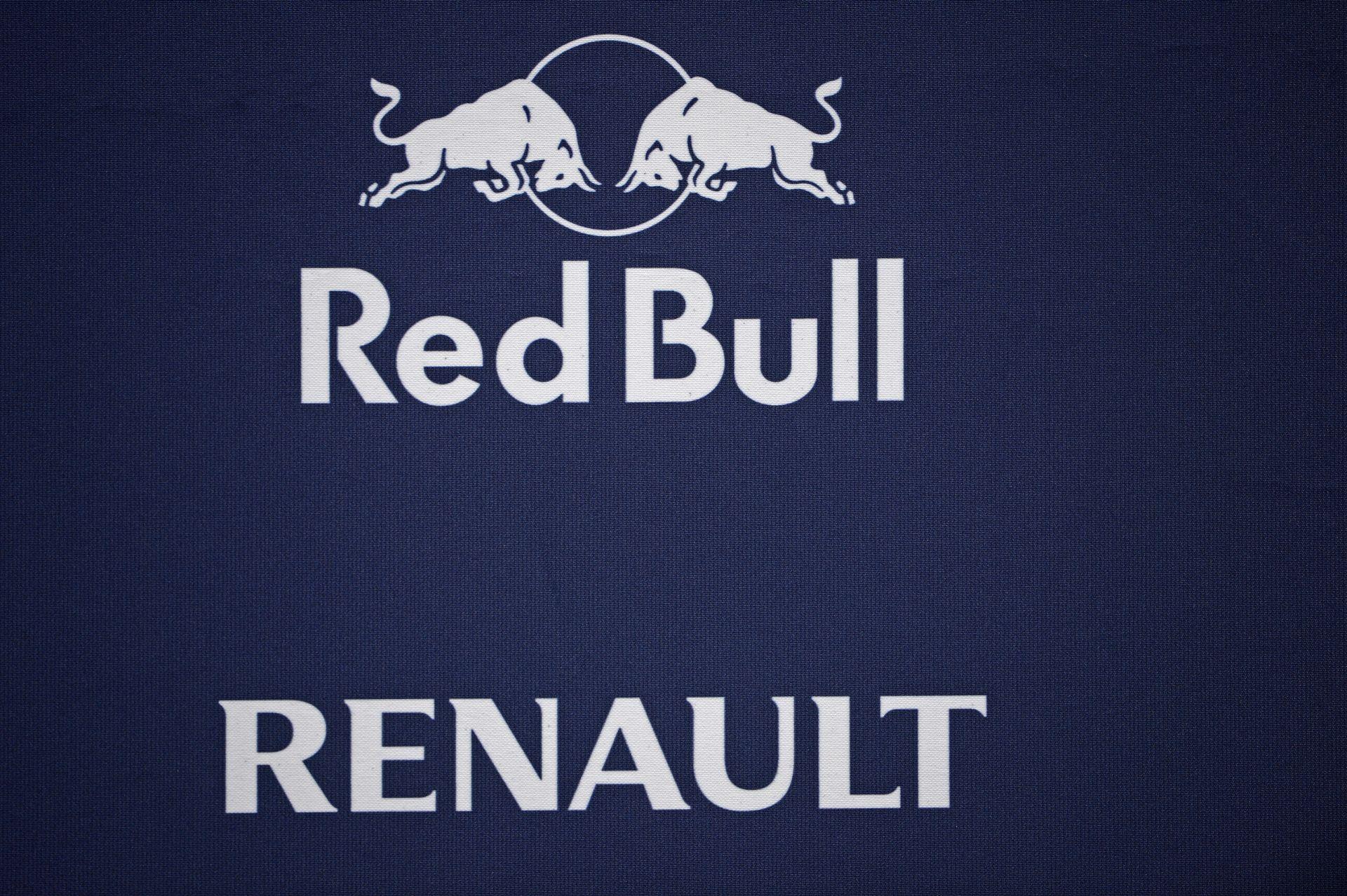 Hihetetlen fordulat a Forma-1-ben! A Red Bull Honda motorokra válthat 2016-tól, míg a Toro Rosso...