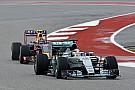 A Mercedes két kritikus