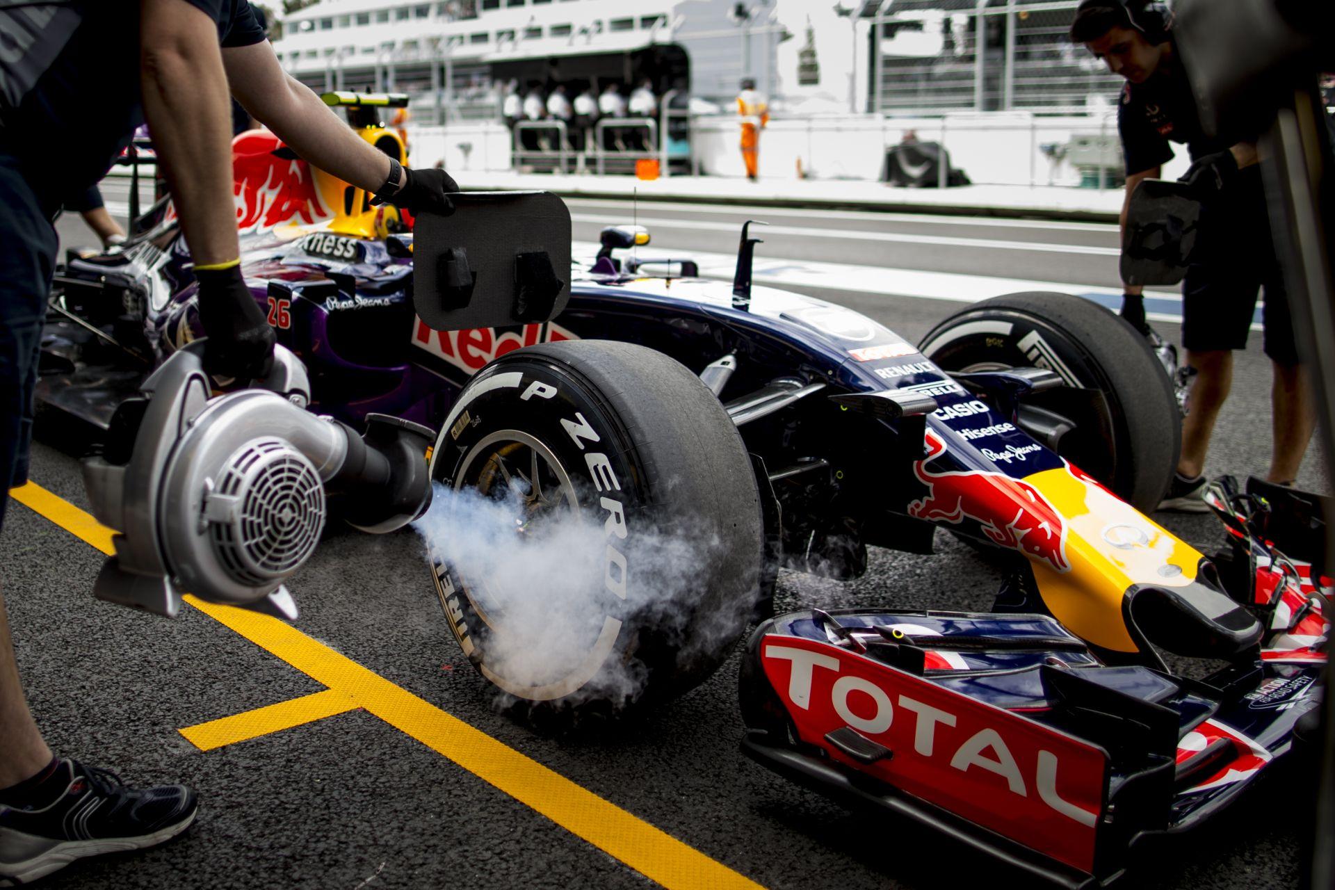 """Red Bull: """"Ha a Forma-1-ben maradunk, Kvyat-Ricciardo lesz a párosunk 2016-ban"""""""