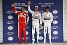 Így kémkedett Vettel az időmérő edzést követően Mexikóban: videón a jelenet