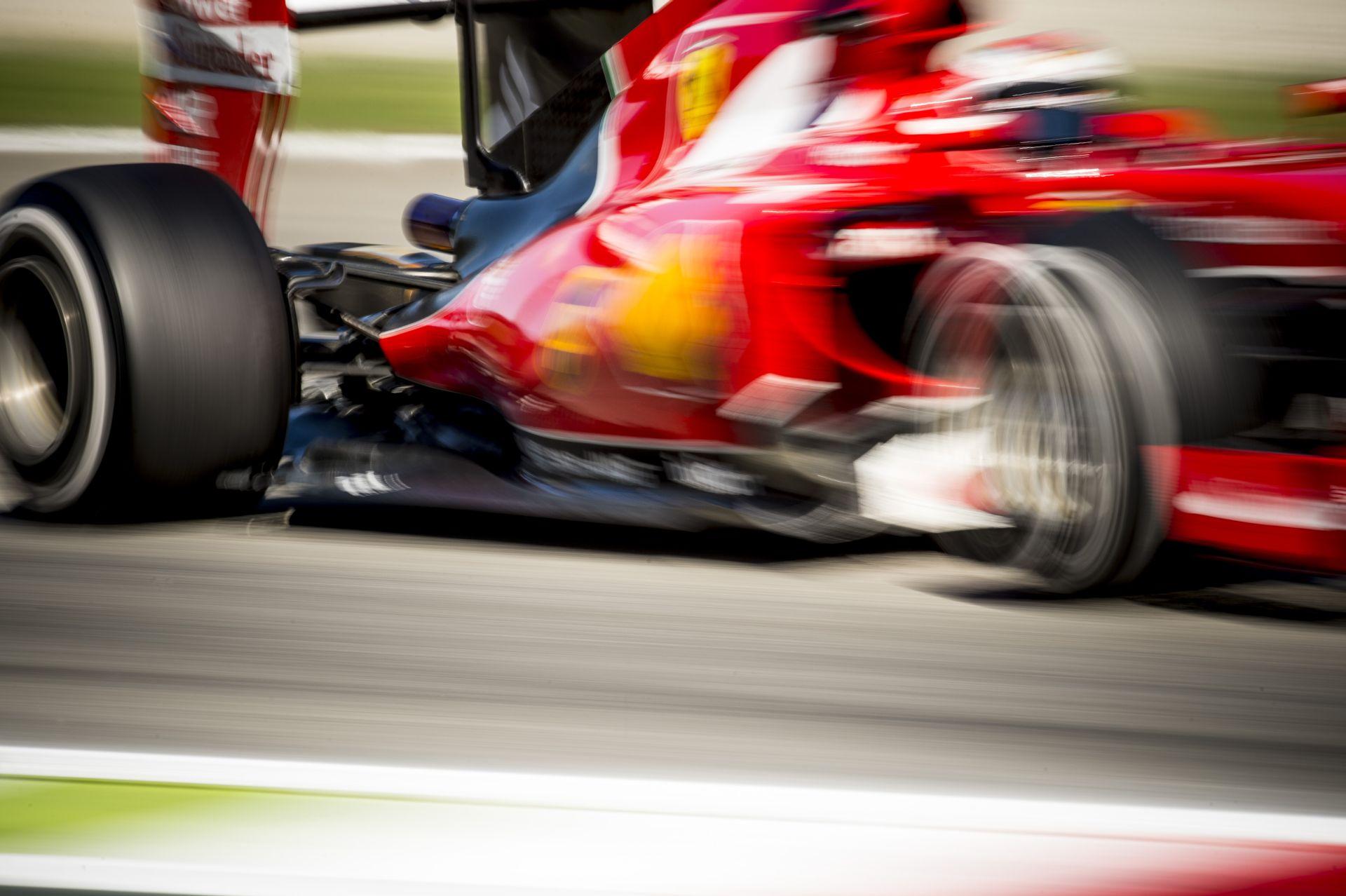 Így rajtolt el Vettel vasárnap Monzában a Ferrarival: belső kamerás felvétel