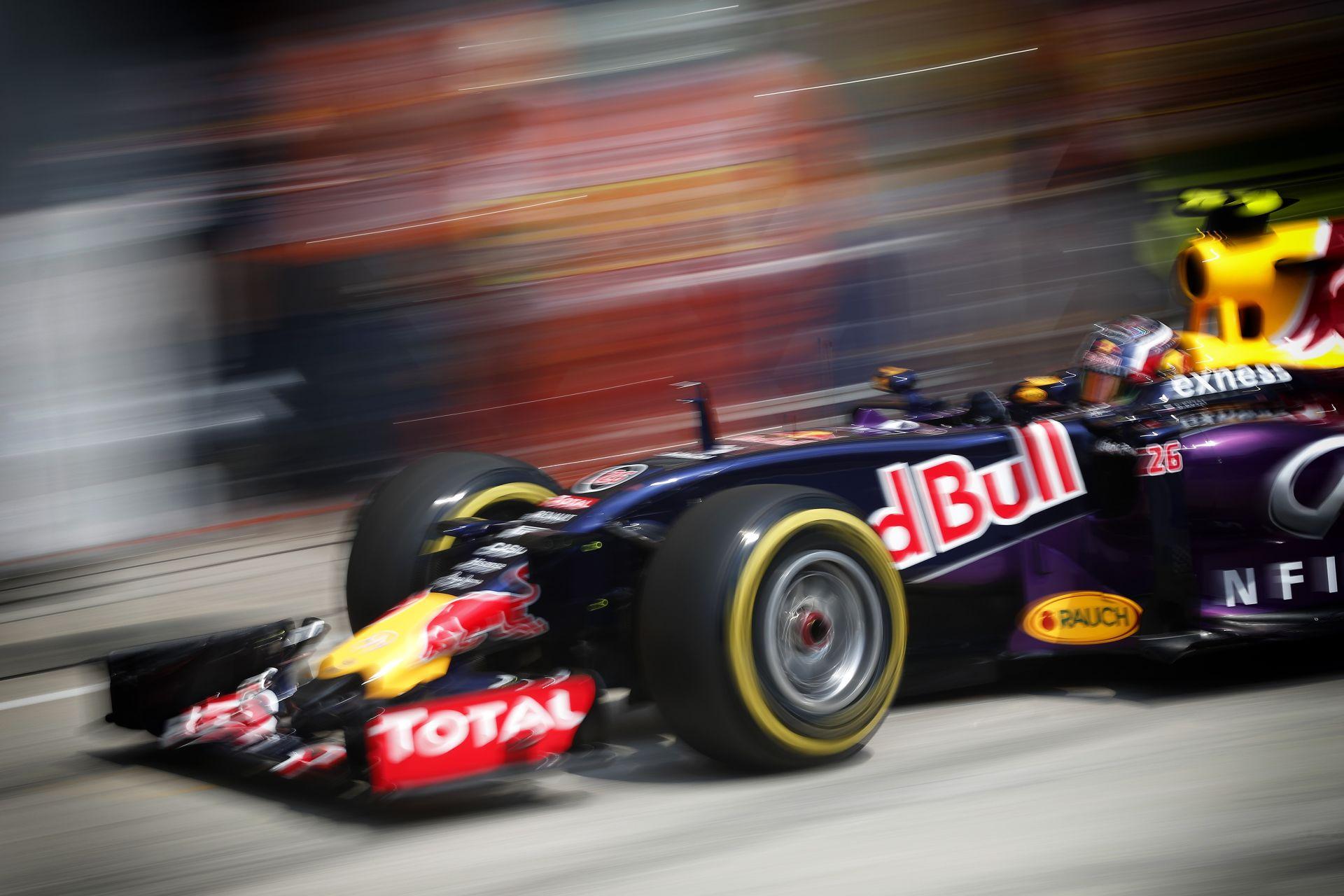 Ismét leszakadt az ég Japánban: Kvyat volt a leggyorsabb Rosberg és Hamilton előtt a második szabadedzésen Suzukában