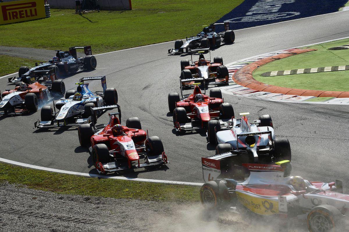 Egy GP2-es csapat 4 millió euró évente, az F1-es 300, de csak hat másodperccel gyorsabb...