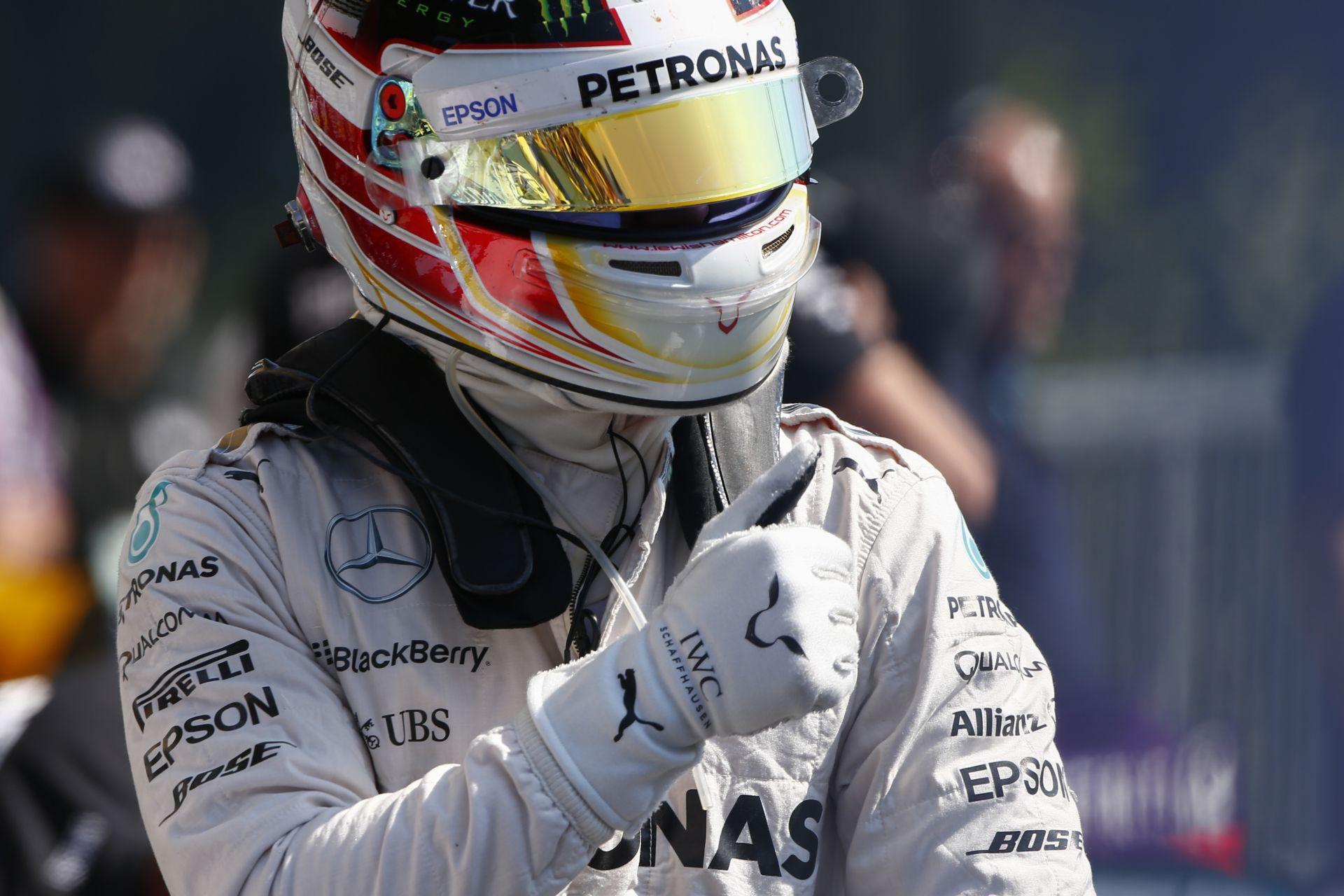 Ennyivel volt most jobb Hamilton Rosbergnél: egymás mellett a két gyors kör