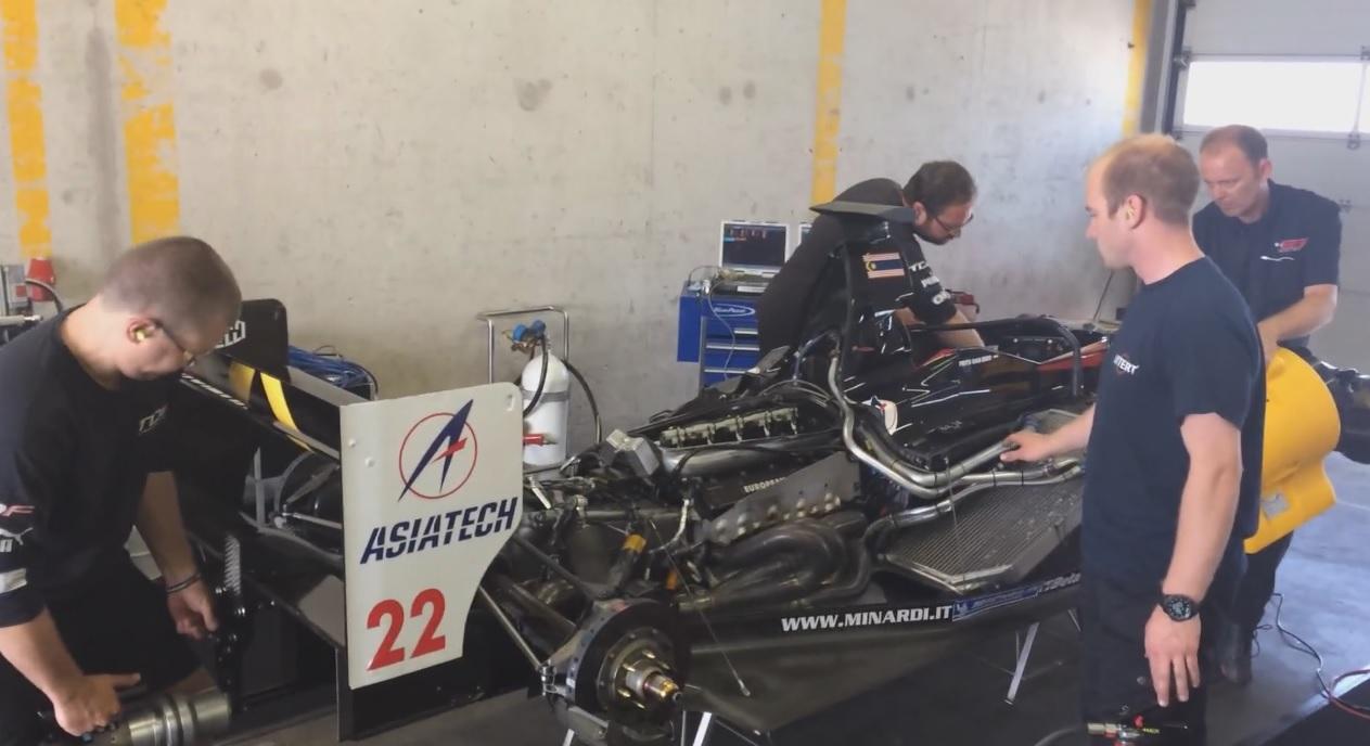 Amikor a Forma-1 még nagyon hangos volt: Ismét beröffent a V10-es Minardi
