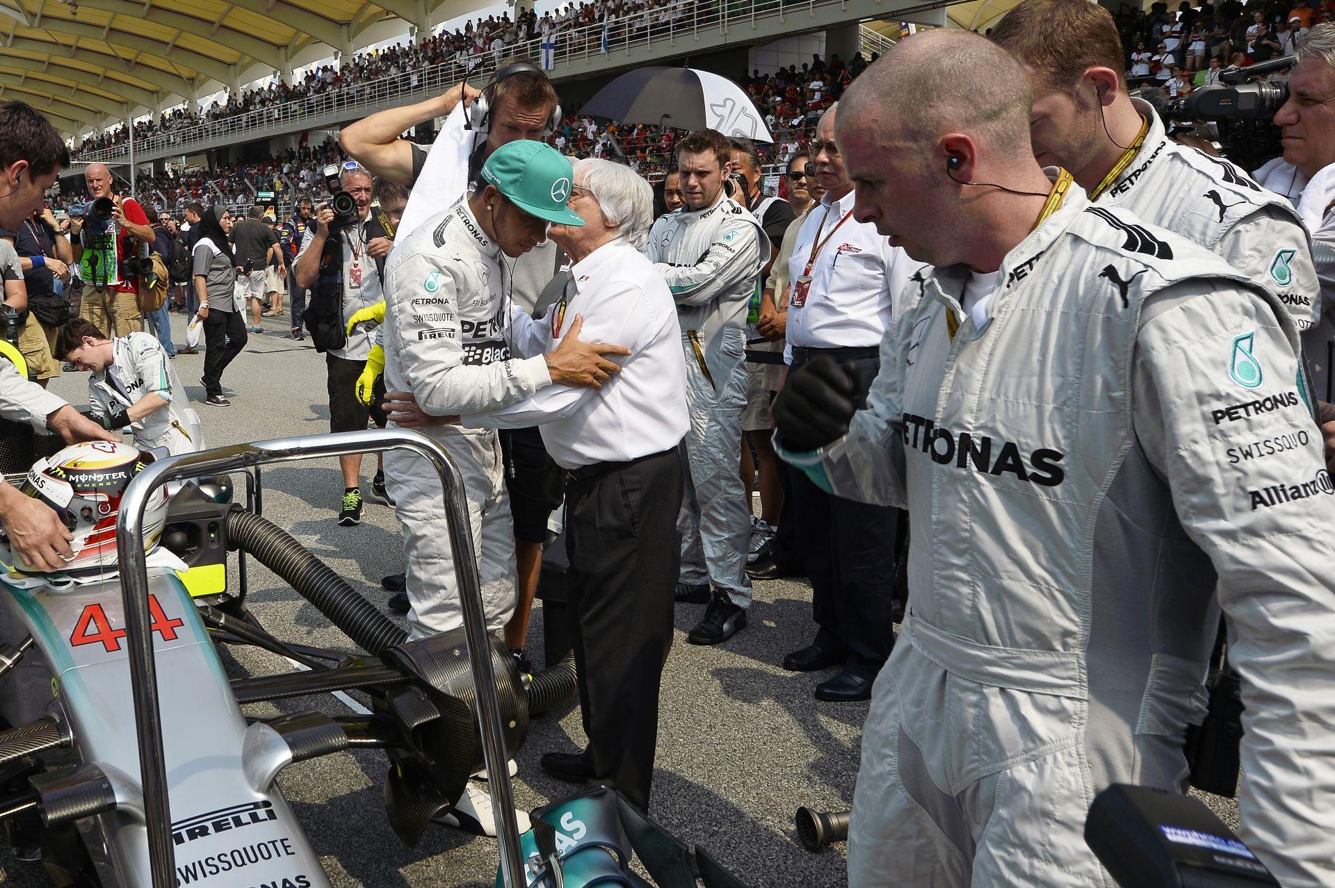 Ecclestone: Hamiltont szinte mindenki ismeri a világon, addig Rosbergről alig hallottak páran! Lewis jobb bajnok lenne, de azt h