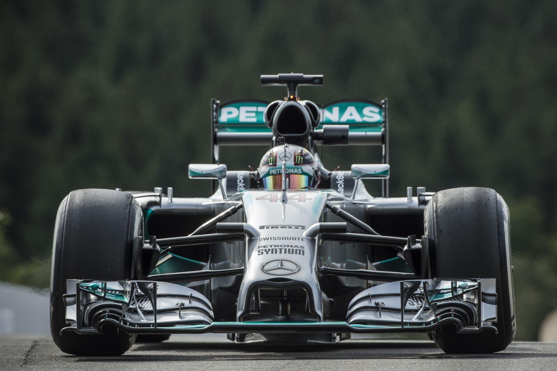 Hamilton nyitott az élen Monzában, Rosberg ezúttal nem lökte ki! Button második, Alonso negyedik!