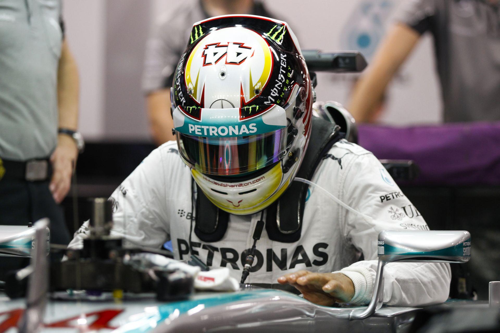 Hamilton egy hajszállal nyerte meg a szingapúri időmérőt Rosberg előtt! Raikkönen alatt az utolsó pillanatokban romlott el a Fer