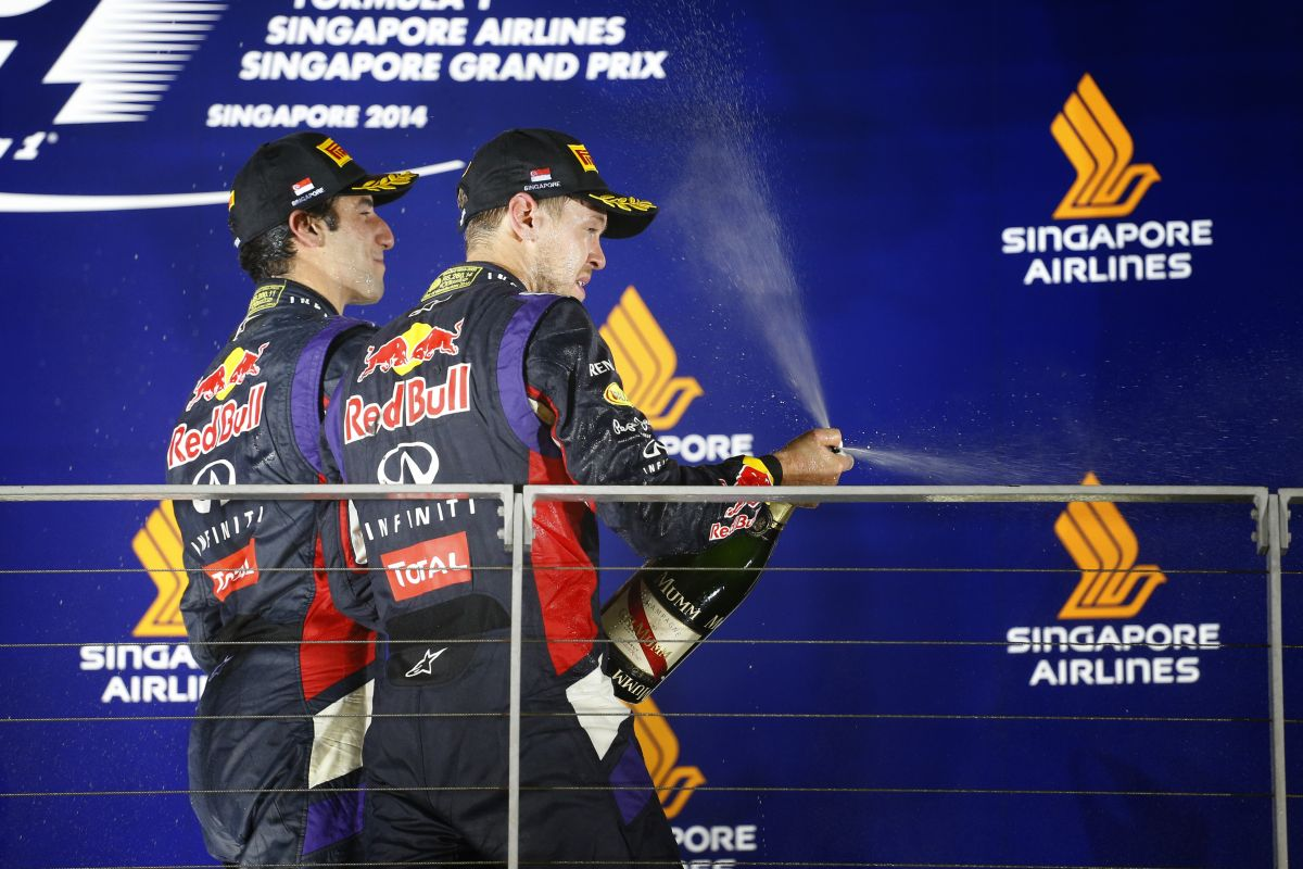 Még Vettelnek is van esélye a címre: a Red Bull nem avatkozik be