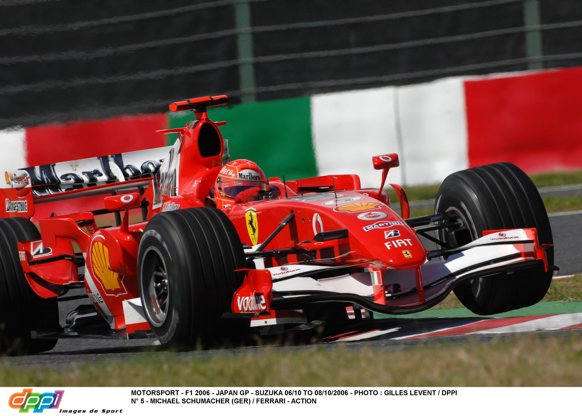 Pályabejárás Schumacherrel és a 2006-os Ferrarival Suzukában