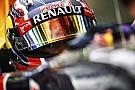 Két F1-es Red Bull Budapesten: A V8-as Renault nem füstölt el, a Pirelli gumik annál inkább