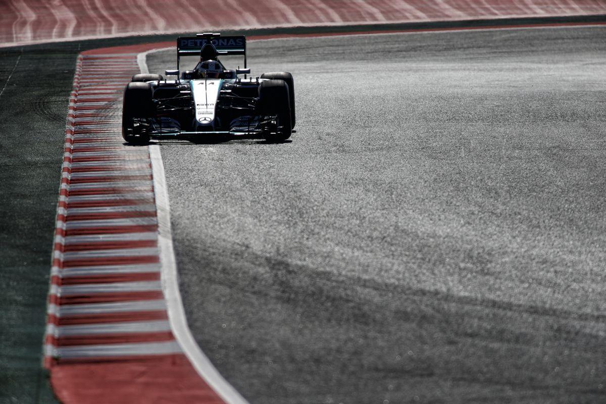 Két eltérő autó a Ferrarinál, most gondban vannak: a Mercedesnél is lesznek ősz hajszálak