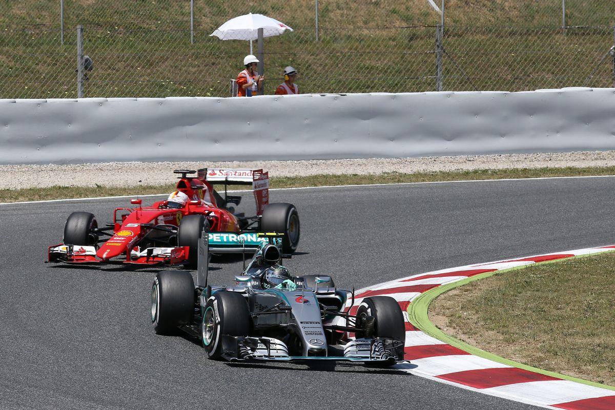 """A Mercedes """"lefejlesztette"""" a Ferrarit, Vettel szerint nem ez a realitás"""