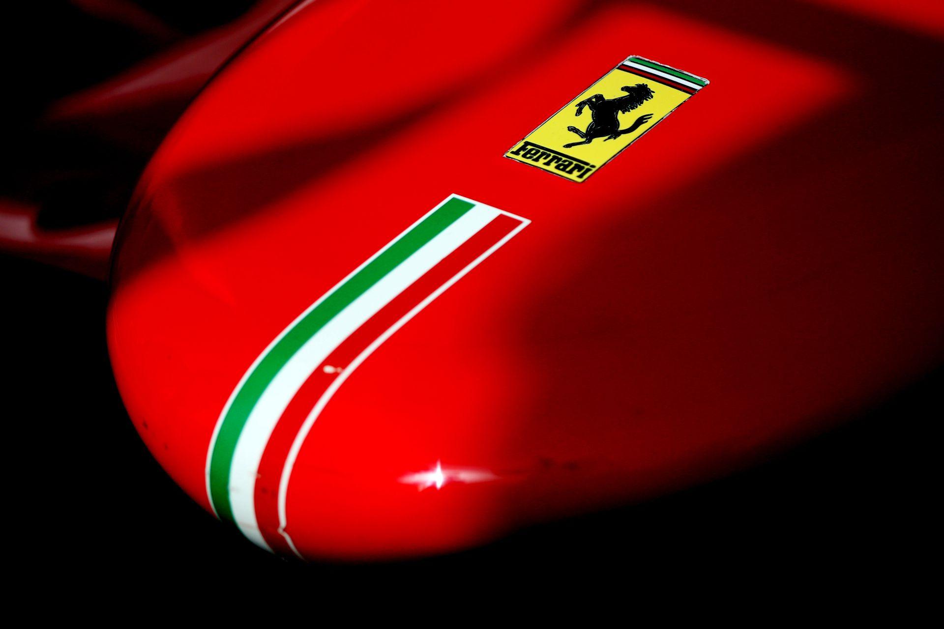 Hiába a kiábrándító év a Ferraritól, brutálisat kaszált a Forma-1-ben