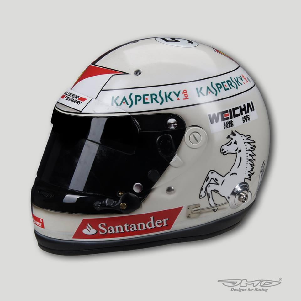 Mégis becsúszott egy egyedi sisak Monacóban! Vettel időutazása a 70-es évekbe!