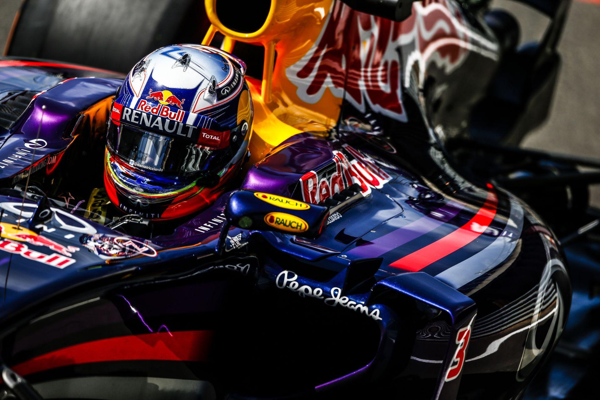 Ricciardo nagyon csalódott, de lát esélyt a dobogóra Silverstone-ban