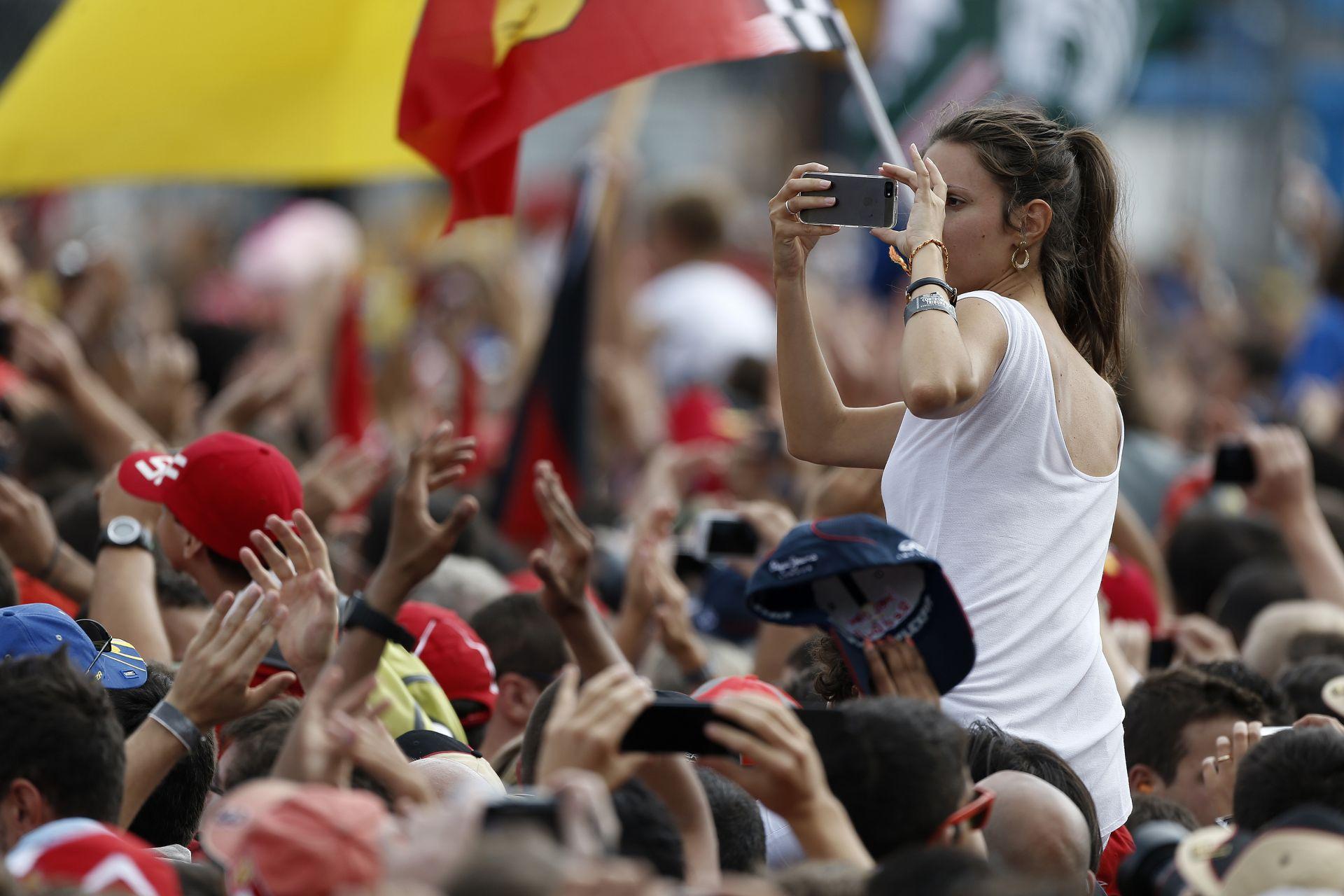 Ecclestone: Ha Monza a Forma-1-ben akar maradni, akkor el kell fogadnia az ajánlatomat