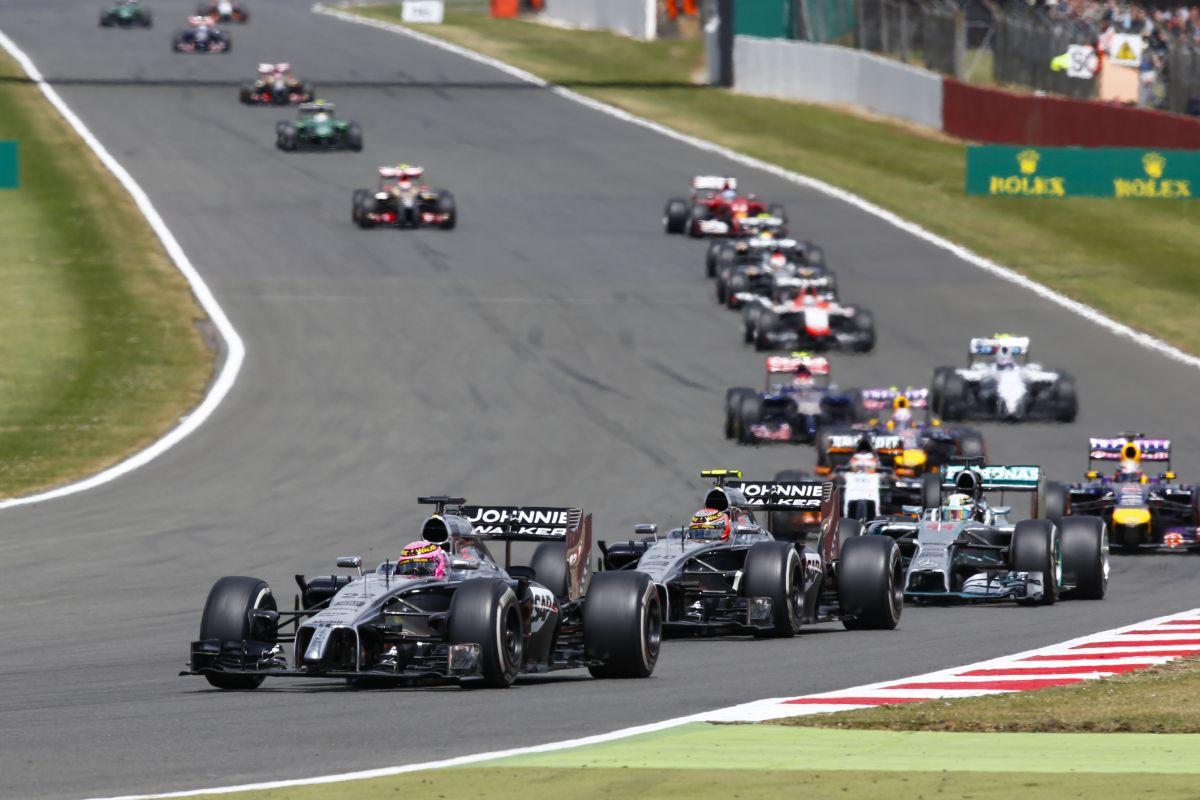Több fejlesztés lesz a McLarenen, mint tervezték: egy futammal hamarabb debütálnak
