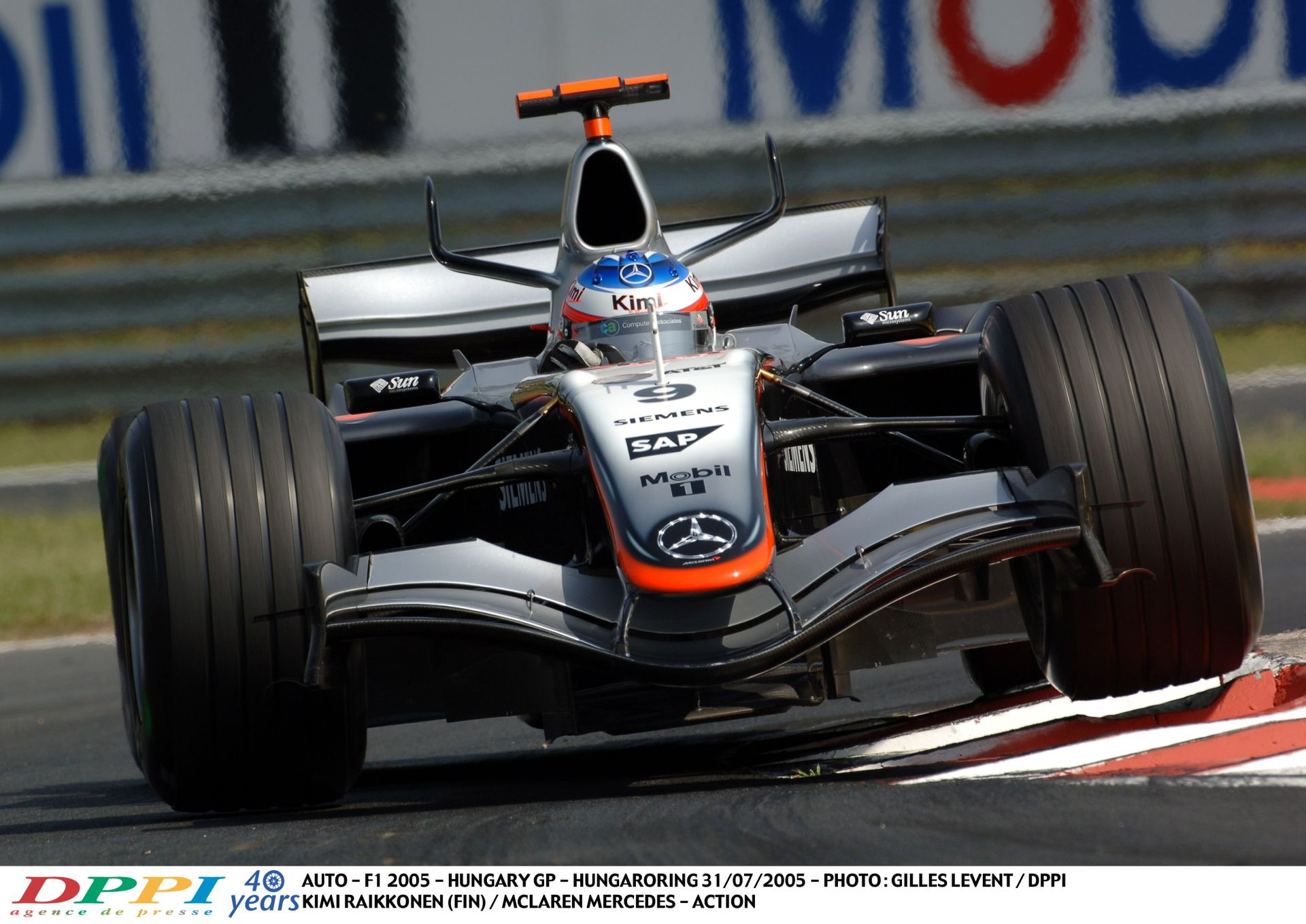 Räikkönen a Hungaroringen 2005-ben a McLarennel: Brutális sebesség, csodálatos hangok