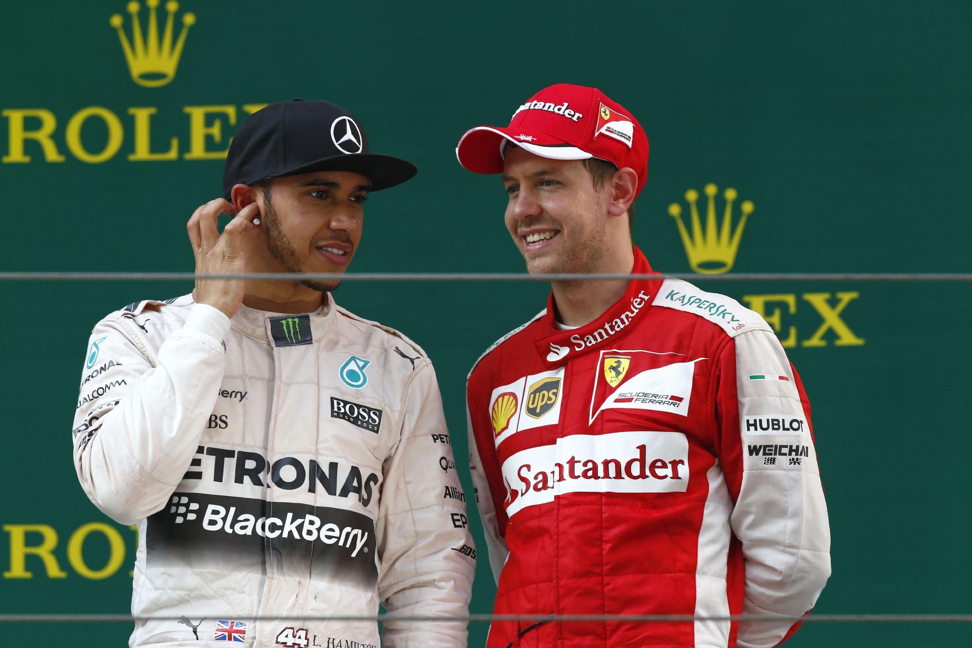 Ecclestone: Nagyszerű lenne, ha Hamilton csatlakozna a Ferrarihoz!