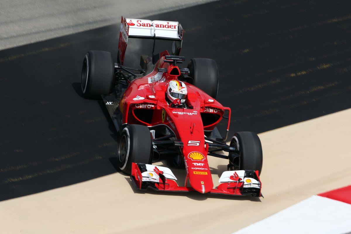 Vettel élne a lehetőséggel: ha el lehet kapni egyik-másik Mercedest, akkor rá kell menni