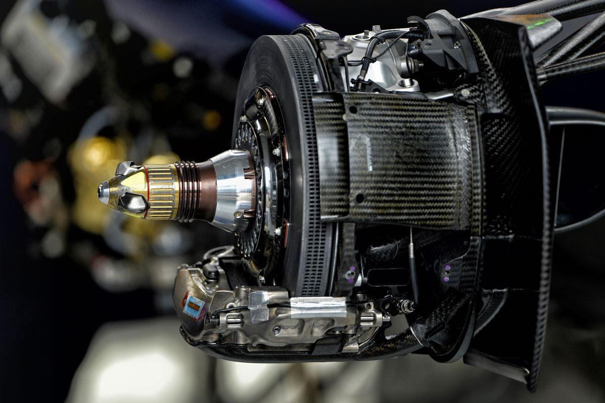 Röviden: a Red Bull nem tagadja hogy teszteltek, ami egyébként szabályos lenne