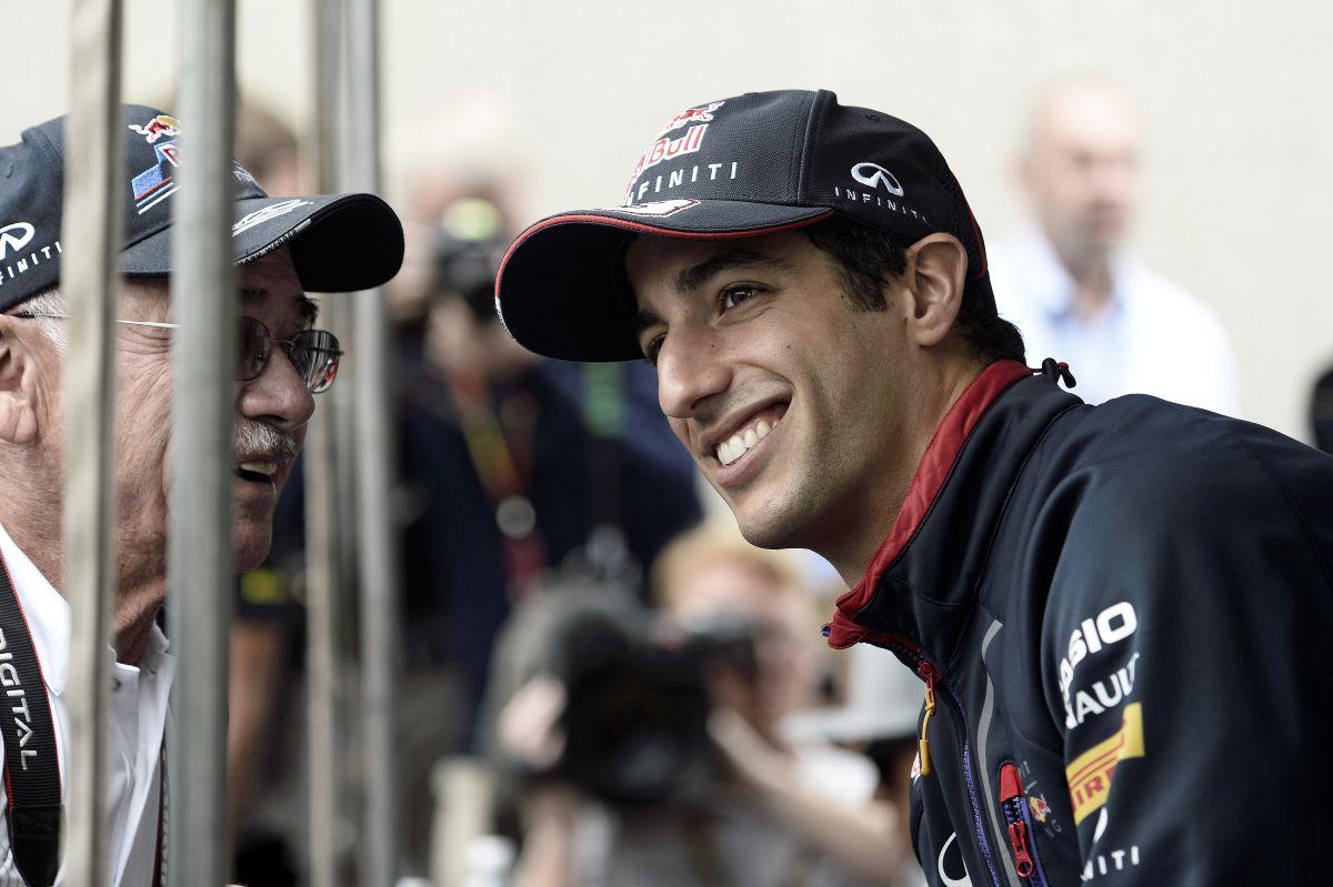 Ricciardo szorosabb csatára számít, mint eddig: neki is jó, ha Vettel kényelmesen érzi magát