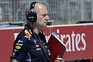 A Ferrari őrült ajánlatot tett Newey-nak: nem lesz közvetlen utódja a Red Bullnál