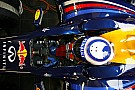 Alain Prost a Red Bull F1-es autójának volánja mögé ül Silverstone-ban