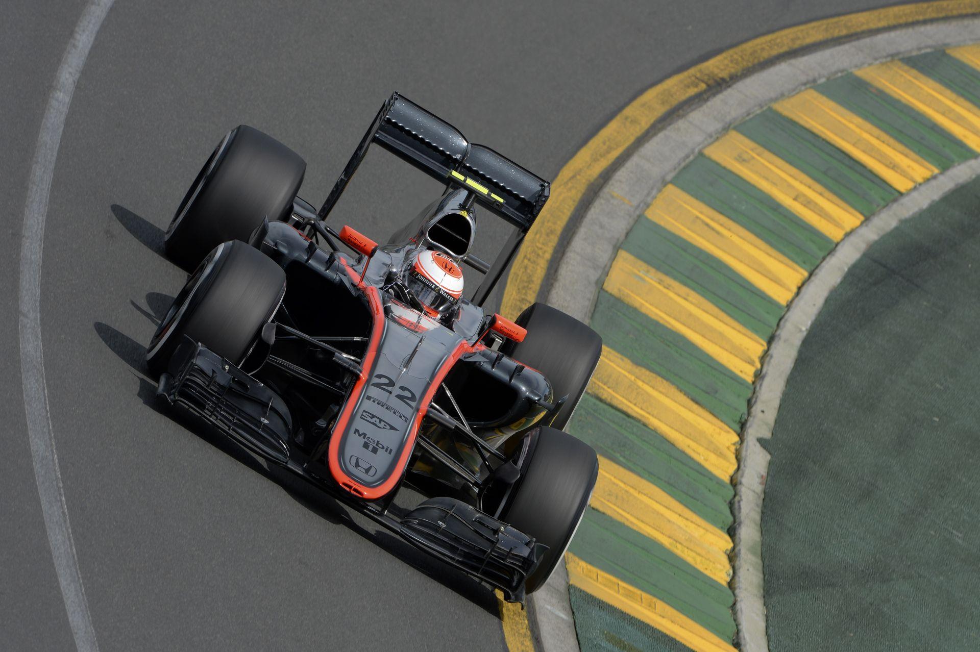 Boullier: Nem tűztünk ki határidőt a McLaren-Hondának