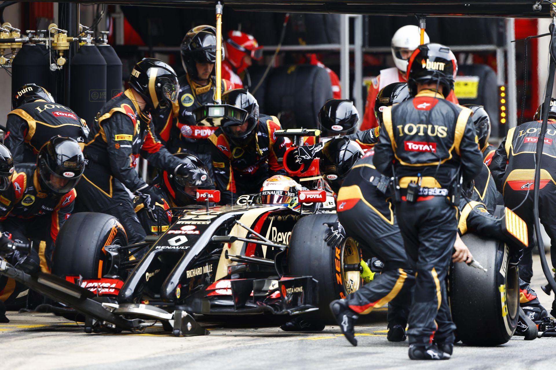 Egyre erősebb a Lotus: Maldonado és Grosjean is ott lehet a legjobb helyek közelében Monacóban