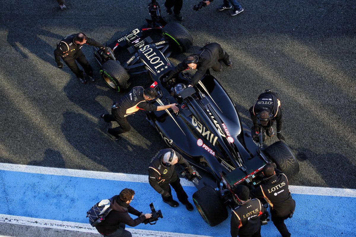 Egészséges a Lotus E23 Hybrid és mókás vezetni: Grosjean ismét boldog