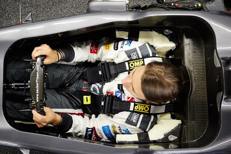 Röviden: Ferrarival kezdi a felkészülést a Sauber női tesztversenyzője