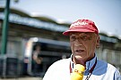 Lauda szerint súlyos problémák lehetnek a Ferrarinál