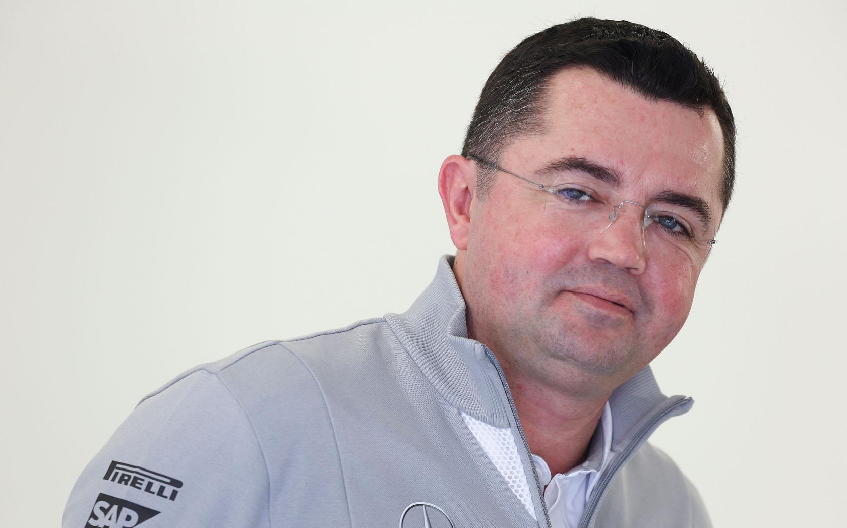 Boullier: Meglepett, hogy a Mercedes mennyivel előrébb tart