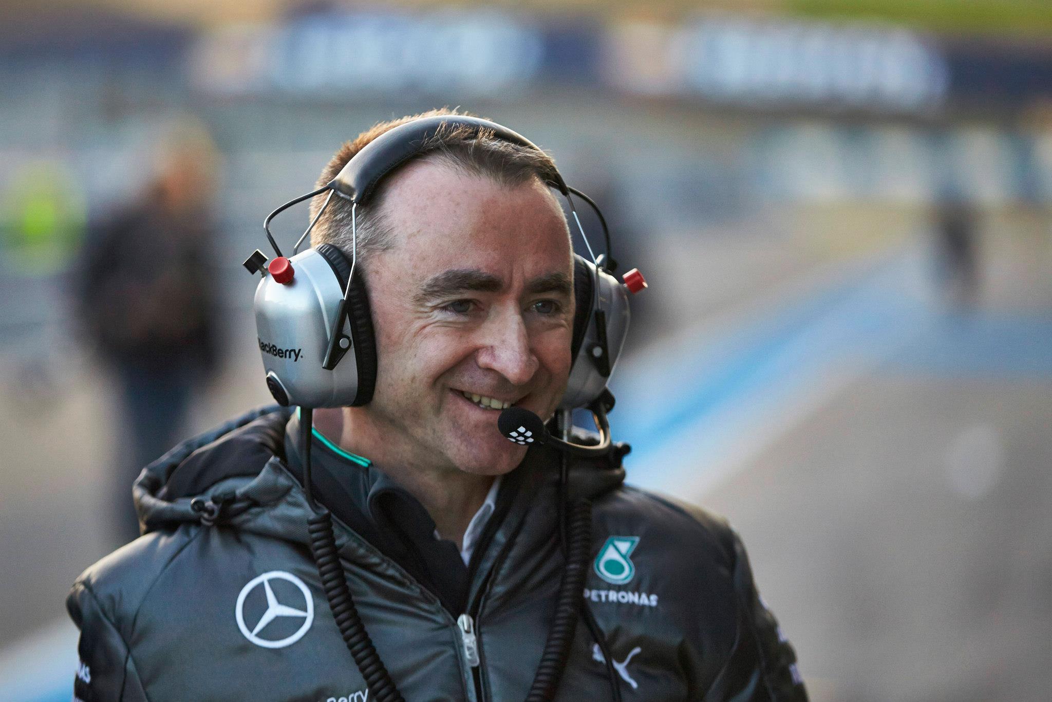 Mercedes: Nem lesznek sorozatos leállások az üzemanyag-szint miatt