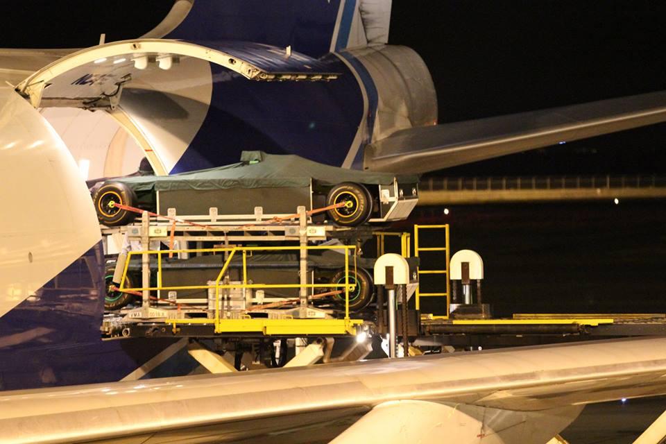 30 tonna levegőben, 10 tonna vízen: költséges dolog a csapatok utaztatása