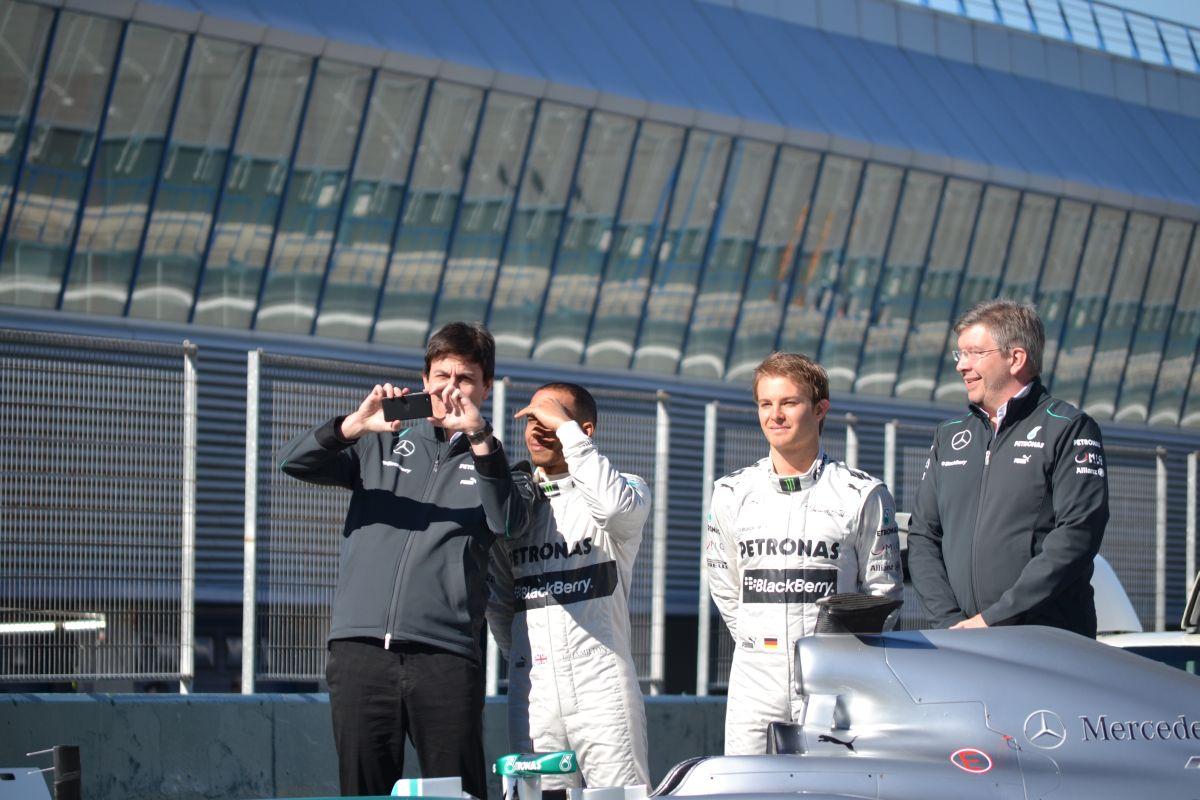 Nem lesz vérfürdő az F1-ben: Wolff szerint az idei gépek a WOW kategóriába tartoznak