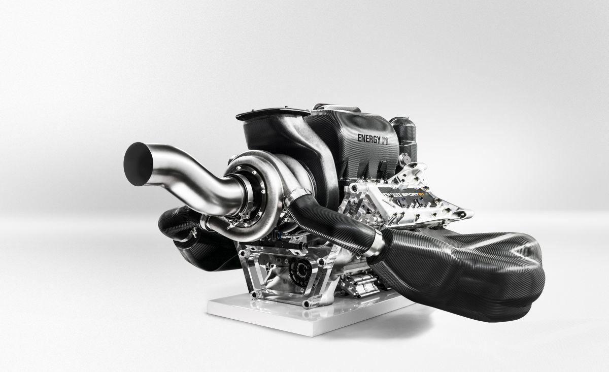Másfajta rádióüzenetek várhatóak 2014-től az F1-ben: a jelszó, spórolás!